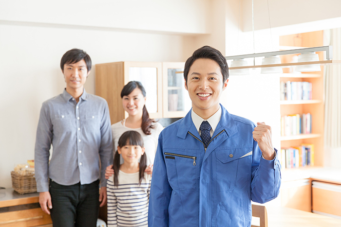 家族と作業員